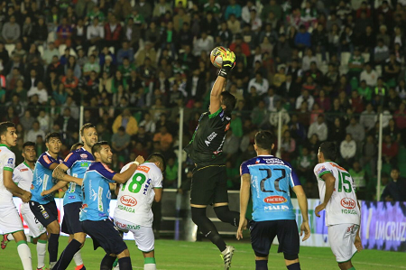 Cáasico Oriente Petrolero vs Blooming